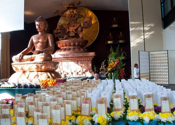 克切拉禅修林盂兰盆节追思回向牌位。